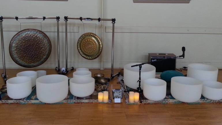 Singing Crystal Bowls for Healing